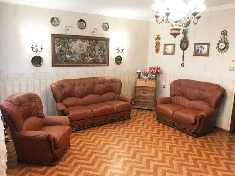 Перетяжка мебели в натуральную кожу